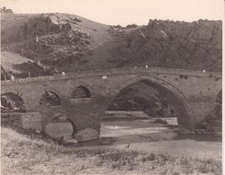 TURQUIE ANKARA Pont Sur Route D'ANKARA à KAYSERI Pont Du KIZIL  1955 Photo Amateur Format Environ 7,5 Cm X 5,5 Cm - Lieux