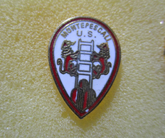 US Montepescali Grossetto Distintivi FootBall Soccer Pin Spilla Pins Italy - Calcio