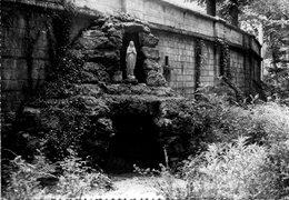 Gouvieux - Pensionnat Du Sacré-Coeur - Mont Villargenne ,ses Remparts Et La Grotte De Lourdes - Gouvieux