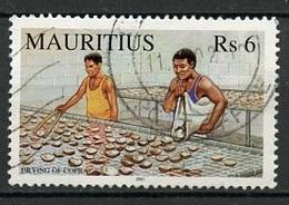 Maurice - Mauritius 2001 Y&T N°985 - Michel N°(?) (o) - 6r Séchage Du Copra - Maurice (1968-...)