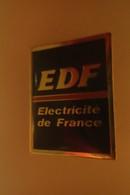 Pin's -  EDF ELECTRICITE DE FRANCE - EDF GDF