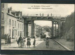CPA - SAINT BRIEUC - Rue Et Pont De Gouëdic, Bien Animé - Saint-Brieuc