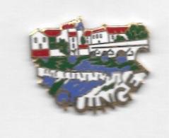 Superbe  Pin's  E G F  Ville  QUINGEY  ( 25 ) - Villes