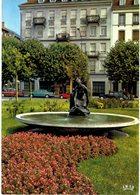 Strasbourg - Place D'austerlitz -  Jeune Fille à La Tortue - Sculpteur : Henninger - Strasbourg