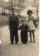 Foto Von 3 Kindern Auf Straße - Ca 1940 - Leider Unbekannt - Kind & Jugend