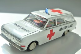 Vintage TIN TOY CAR : Mark PLASTICART With BOX - Ambulance  - 15cm - DDR GDR GERMANY- 1960's - Friction Powered - Collectors Et Insolites - Toutes Marques