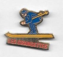 Pin's  Ville, Sport  SKI, Station  LES  GRANGETTES  ( 25 ) - Villes