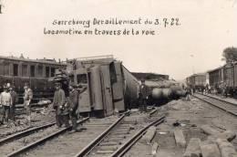 57 SARREBOURG - Déraillement Du 03-07-1922 - Locomotive En Travers De La Voie - Carte Photo - Sarrebourg