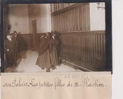 AU PALAIS LES PETITES FILLES DE M FLACHON  13*9CM Maurice-Louis BRANGER PARÍS (1874-1950) - Sin Clasificación