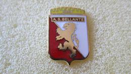 A.S. Bellante Calcio Distintivi FootBall Soccer Pins Spilla Italy Teramo - Calcio