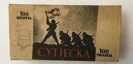 EMPTY  TOBACCO  BOX    SUTJESKA   100 CIGARETTES   FNRJ  YUGOSLAVIA - Schnupftabakdosen (leer)