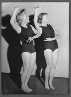 PHOTO PRESS - 1954 IDLA GIRLS SVERIGE - Persone Anonimi
