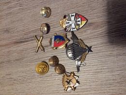 Badges Militaires Pucelles Boutons - Médailles & Décorations