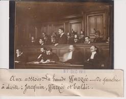 LA BANDE WARZEE DE GAUCHE A DROITE JACQUIN WARZEE ET TALDIR AUX ASSISES  13*9CM Maurice-Louis BRANGER PARÍS (1874-1950) - Sin Clasificación