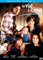 LA VIE A CINQ   SAISON N° 1 °°°°°     SCOTT WOLF MATTEW FOX  NEVE CAMPBELL LACEY CHABERT °°°°° 6 DVD - DVD
