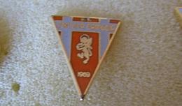 U.S. Cortona Camucia Arezzo Calcio Pins Italy Insignes De Football Badges - Calcio