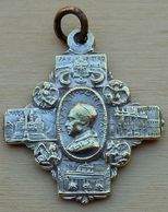 Mad-463 Médaille Ancienne Forme Croix Gravée J.Maria Maggidre Laterano Anno Santo MCML Pius XII - Godsdienst & Esoterisme