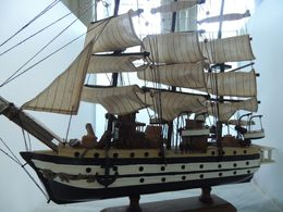 AMERIGO VESPUCCI Grande MODELLO DIM. CIRCA 50 X 46 X 20 - Barche