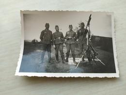 WWII Foto Wehrmacht Soldaten Gewehr, Flugabwehrartillerie, Maschinengewehr ,Kanone - 1939-45
