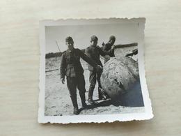 WWII Foto Wehrmacht Soldaten See Mine - 1939-45