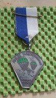 Medaille :Netherlands  -  Poolse Parachutisten Wandeltocht , Driel.  / Vintage Medal - Walking Association - Nederland