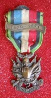 Guerre 1870-1871 Médaille De Vétéran Volontaire Avec Ruban  Oublier ?... Jamais! Dans Son Jus - Frankrijk