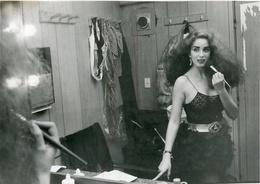 BEATRIZ SALOMON - ARGENTINE ACTRESS, VEDETTE, SINGER. FOTOGRAFO JUAN G. PIOVANO, 30/05/1989. PHOTO FOTO -LILHU - Personalidades Famosas
