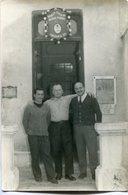 TRES HOMBRES EN COMISARIA 33 DE POLICÍA FEDERAL, BUENOS AIRES, ARGENTINA. CIRCA 1960. PHOTO POLICE SIZE: 10X15CM -LILHU - Profesiones