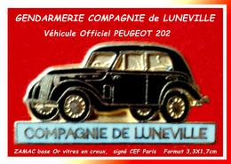 SUPER PIN'S GENDARMERIE-PEUGEOT 202 NOIRE : Ancien Véhicule De LA COMPAGNIE De GENDARMERIE De LUNEVILLE (54) - Peugeot