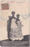 MADAGASCAR. Femmes Baras - Madagascar