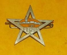 26° Division D'Infanterie, MAROC, émail, Dos Lisse Gravé,FABRICANT DRAGO PARIS,HOMOLOGATION 1375, ETAT VOIR PHOTO  . POU - Armée De Terre