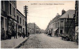 02 LA FERE - Rue De La République - Banque Journel - Autres Communes