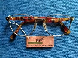"0719 ""OCCHIALE PERSOL ELIOS MITHIS, 53 □ 17 (DESSINÉE PAR ALAIN MIKLI), COMPLETO DI CUSTODIA"" ORIG. - Sun Glasses"