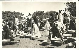( AFRIQUE   )  ( NIGER.  ) (NIAMEY ) ( METIERS )( FEMMES ) MARCHANDE DE FARINE - Niger