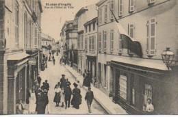 17 St-JEAN-D'ANGELY  Rue De L'Hôtel De Ville - Saint-Jean-d'Angely