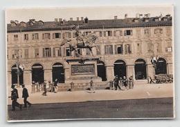 """09402 """"TORINO - PIAZZA S. CARLO E MONUMENTO A E. FILIBERTO - I QUARTO XX SECOLO"""" ANIMATA.  FOTO ORIGINALE - Luoghi"""