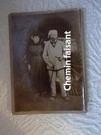 Belle Photographie Originale D'un Couple De Paysans  - Scans Recto-verso - Personnes Anonymes