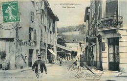 CPA 38 Isère Beaurepaire Rue Gambetta Café Hotel - Beaurepaire