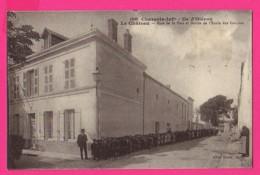 CPA  (Ref: Z2207) Ile D'Oléron (17 CHARENTE MARITIME) LECHATEAU Rue De La Paix Et Sortie De L'école Des Garçons - Ile D'Oléron