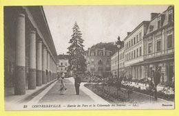 * Vittel Contrexeville (Dép 88 - Vosges - France) * (LL, Nr 33) Entrée Du Parc Et La Colonnade Des Sources, Animée, Rare - Vittel Contrexeville