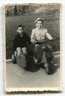 Photo Originale ,Souvenir , Enfants En Moto , Dim. 6.0 X 9.0 Cm - Personas Anónimos
