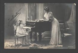 Fantasy / Fantaisie / Fantasie Kaart - Fillette Au Piano / Girl At Piano / Meisje Aan De Piano Met Moeder - 1907 - Groupes D'enfants & Familles