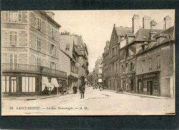 CPA - SAINT BRIEUC - La Rue Houvenagle, Animé - Saint-Brieuc