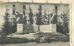 """5083 """"PINEROLO-MONUMENTO AI CADUTI E CASERMA VITTORIO AMEDEO II. """" - CART. ORIG.NON  SPED. - Monumenti Ai Caduti"""
