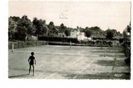 Saint Amour - La Piscine Et Le Tennis (jeu En Double Sur Cours) Circulé 1970 - France