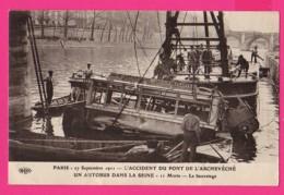 CPA  (Ref: Z2264) PARIS 27 Septembre 1911 (75 PARIS)  L'accident Du Pont De L'archevécher Un Autobus Dans La Seine - France