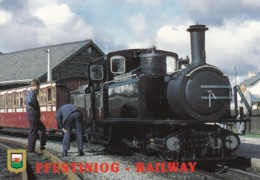 AN41 Trains - Ffestinog Railway, Train Leaving Porthmadog Station - Treni