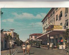 Lido Di Jesolo, Hotel Cavour. Cartolina Postale Con L. 25 Caravaggio, Viaggiata Per Klausen  Bolzano 1961 - Hotels & Restaurants
