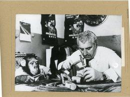 STOPHAN ISAAKYAN    Dresseur D'animaux De Le République D'Arménie Et CHAPA  Chimpanzé - Identified Persons
