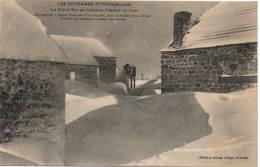 LES CÉVENNES PITTORESQUES - La Grand-Rue De Lachamp Raphaël En Hiver - Other Municipalities